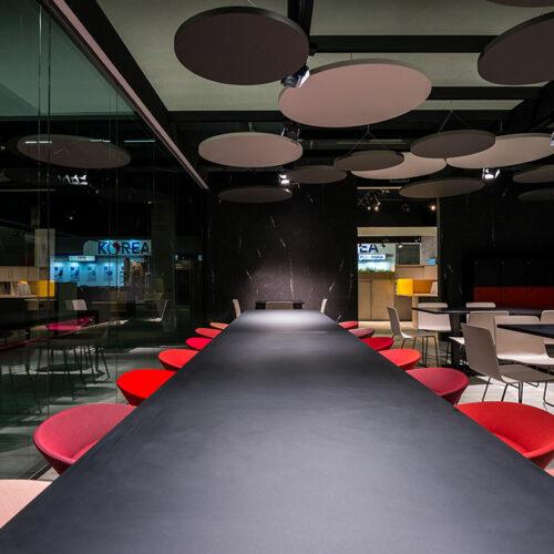 Arredi uffici meeting 7 500x500 - Arredi per sale meeting ufficio