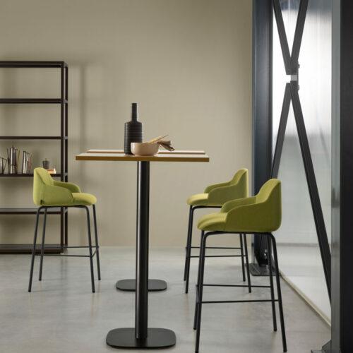 DEEP STOOL AMB HR 03 500x500 - Hospitality